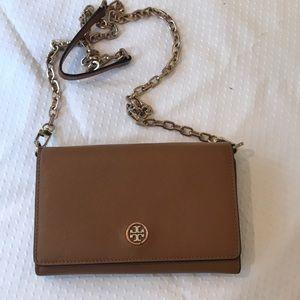 Tory Burch crossbody bag! Used, but looks new!